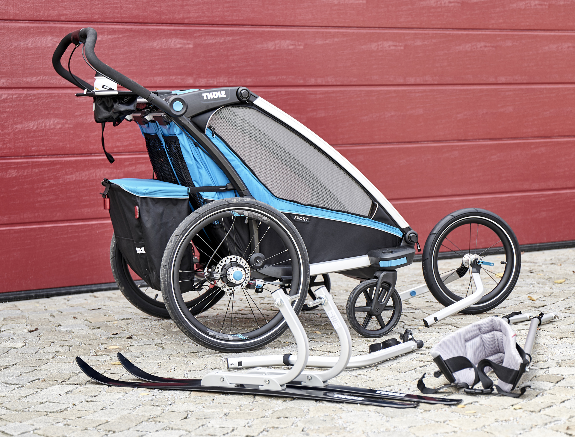 thule chariot sport 2 mothers little helper xc. Black Bedroom Furniture Sets. Home Design Ideas